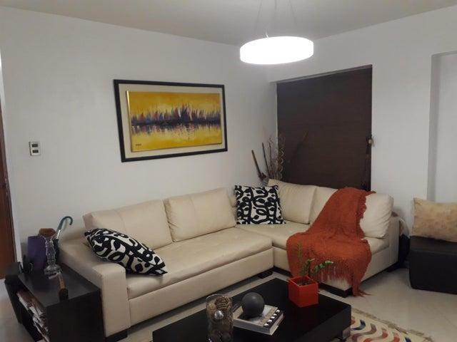 Apartamento Distrito Metropolitano>Caracas>Colinas de Bello Monte - Venta:55.000 Precio Referencial - codigo: 19-8926