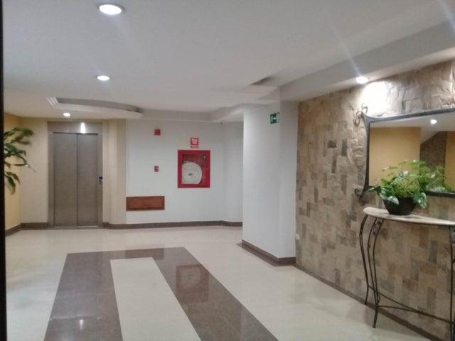 Apartamento Carabobo>Municipio Naguanagua>Palma Real - Venta:45.000 Precio Referencial - codigo: 19-8929