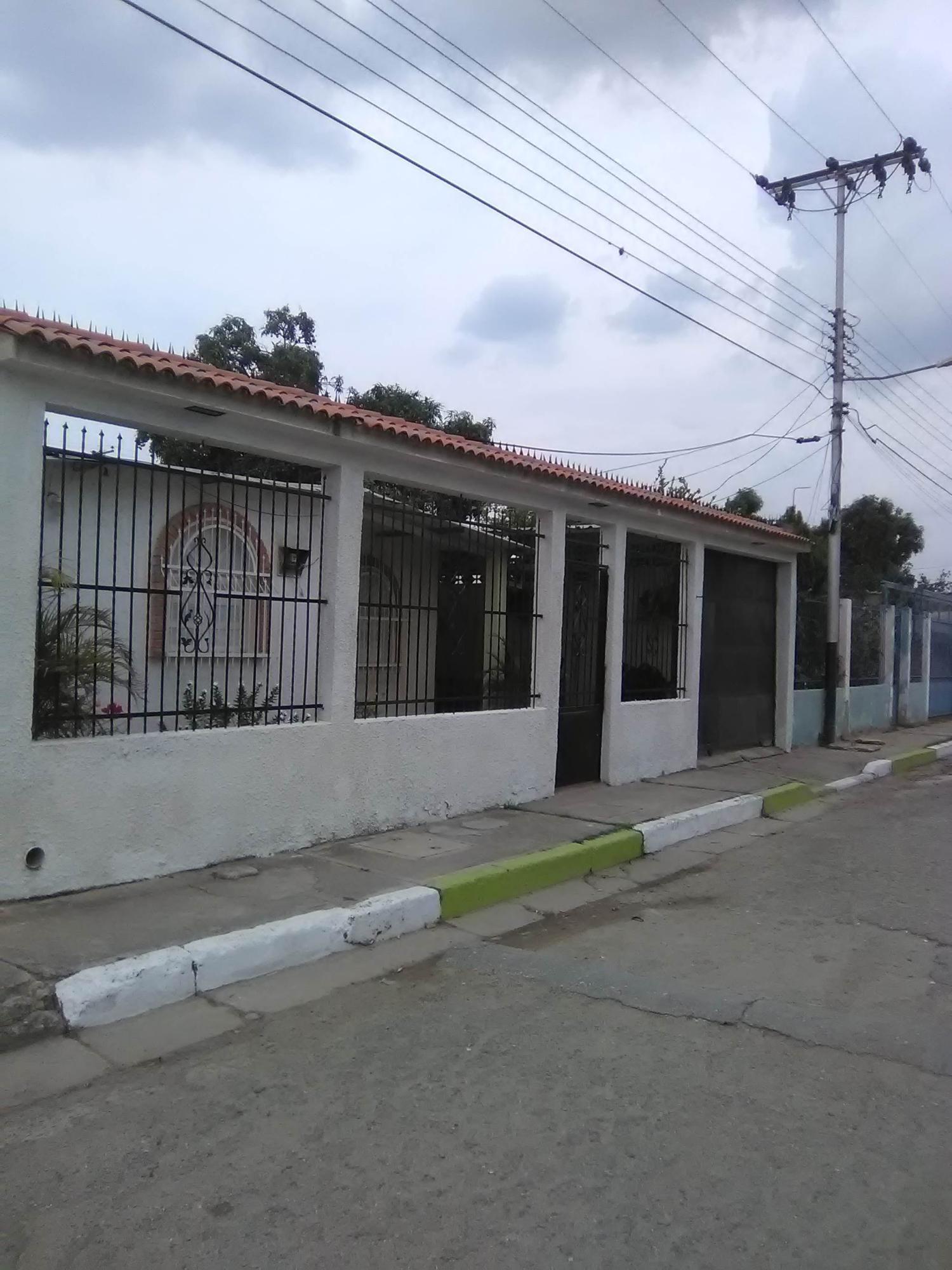 Casa Aragua>Palo Negro>Centro Palo Negro - Venta:6.500 Precio Referencial - codigo: 19-8930
