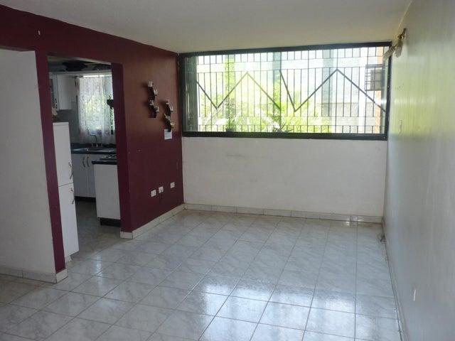 Apartamento Aragua>Maracay>Narayola Uno - Venta:14.000 Precio Referencial - codigo: 19-8938