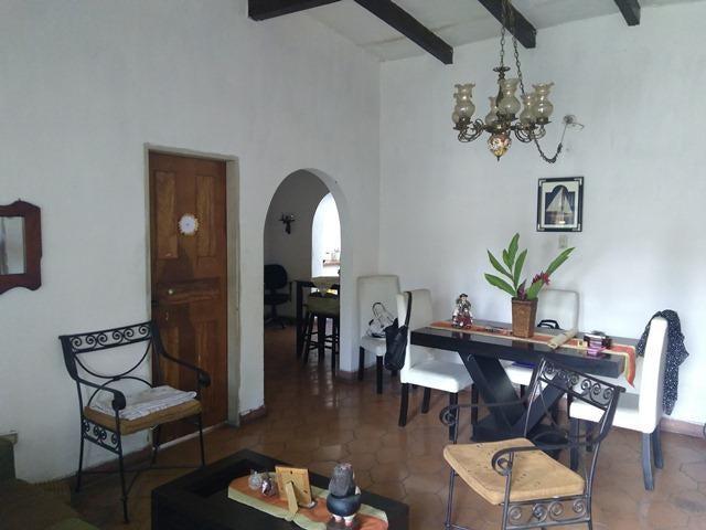 Galpon - Deposito Lara>Barquisimeto>Bararida - Venta:95.000 Precio Referencial - codigo: 19-8943