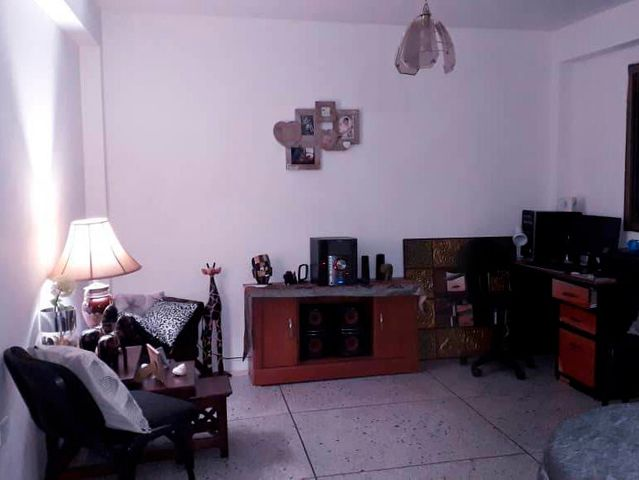 Apartamento Falcon>Coro>Residencias Lomar - Venta:14.000 Precio Referencial - codigo: 19-8951