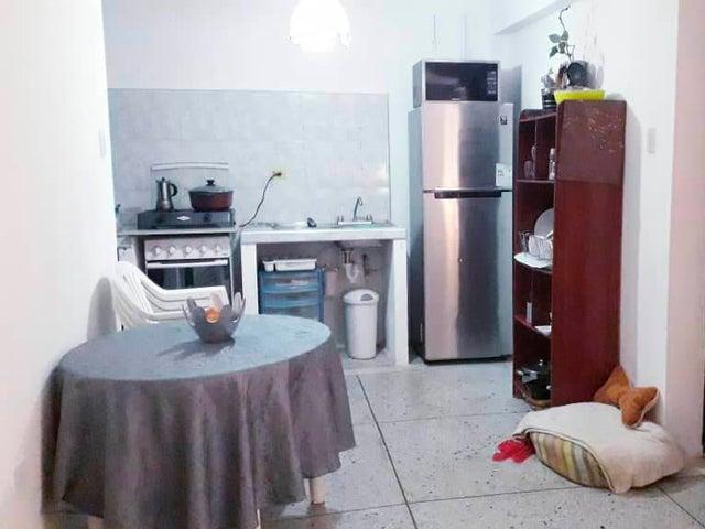 Apartamento Falcon>Coro>Sector Bobare - Venta:14.000 Precio Referencial - codigo: 19-8951