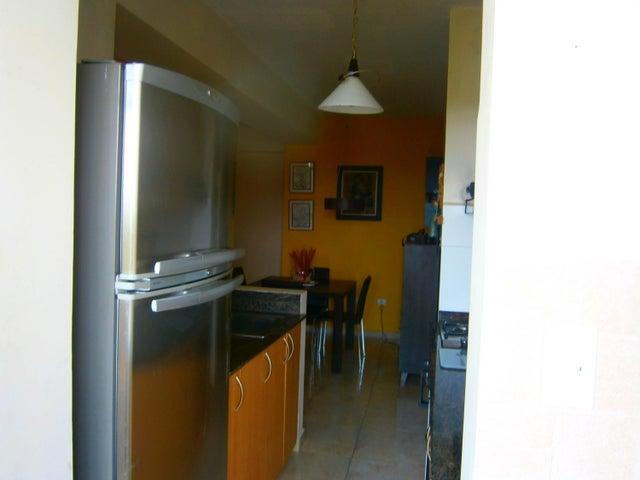 Apartamento Carabobo>Municipio Naguanagua>Tazajal - Venta:45.000 Precio Referencial - codigo: 19-8956