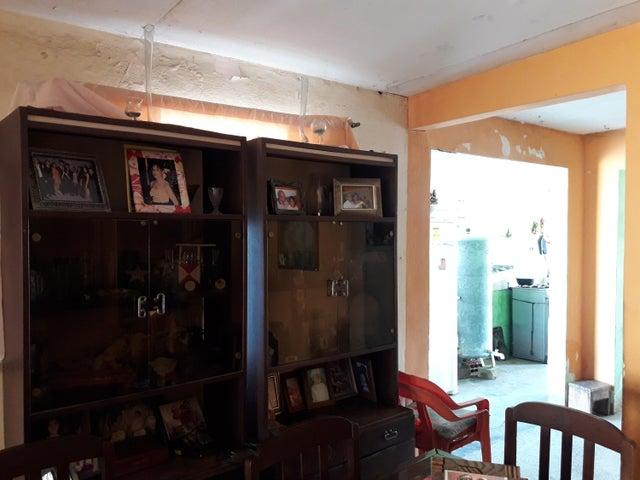 Casa Zulia>Maracaibo>La Rotaria - Venta:9.000 Precio Referencial - codigo: 19-8961