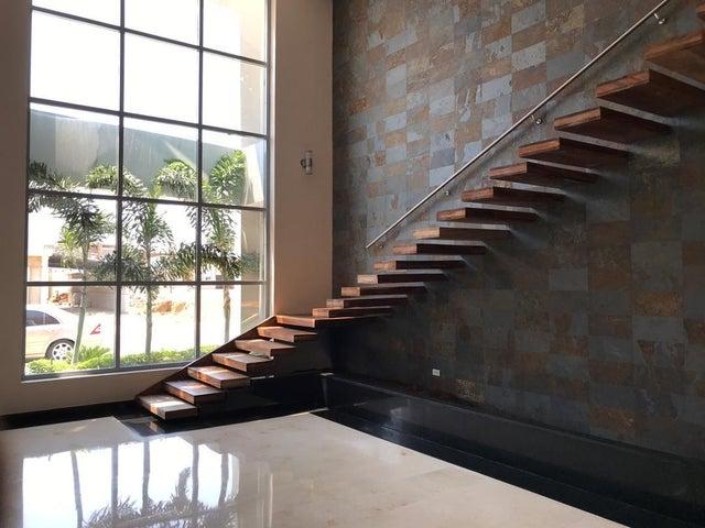 Casa Falcon>Punto Fijo>Zarabon - Venta:400.000 Precio Referencial - codigo: 19-8971