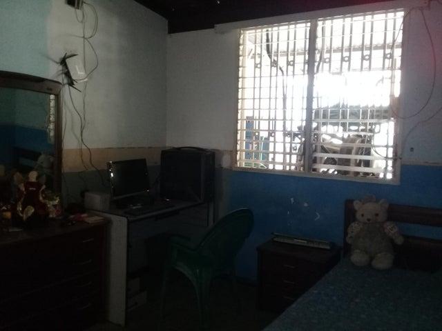 Casa Lara>Cabudare>El Paraiso - Venta:11.500 Precio Referencial - codigo: 19-8970