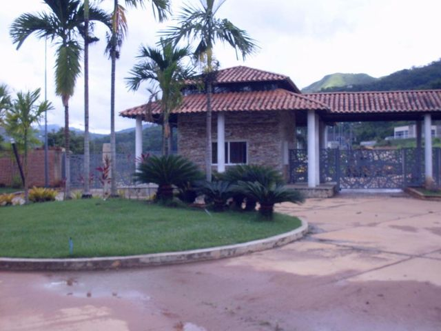Casa Carabobo>Valencia>Safari Country Club - Venta:105.000 Precio Referencial - codigo: 19-14598
