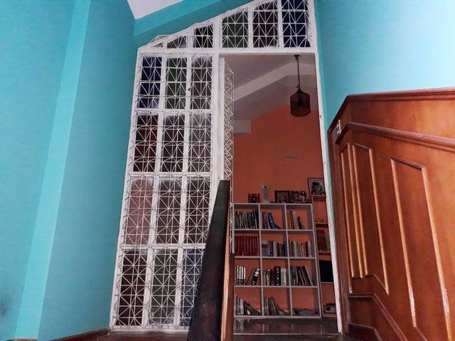 Casa Falcon>Coro>La Paz - Venta:100.000 Precio Referencial - codigo: 19-9265