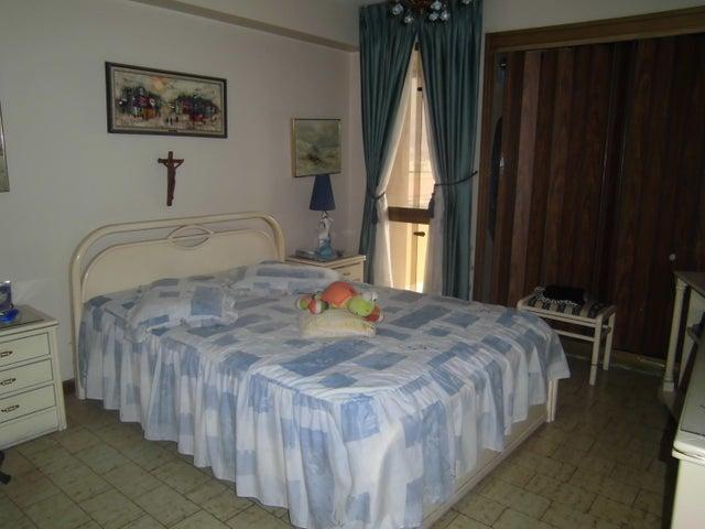 Apartamento Distrito Metropolitano>Caracas>La Urbina - Venta:95.000 Precio Referencial - codigo: 19-8978