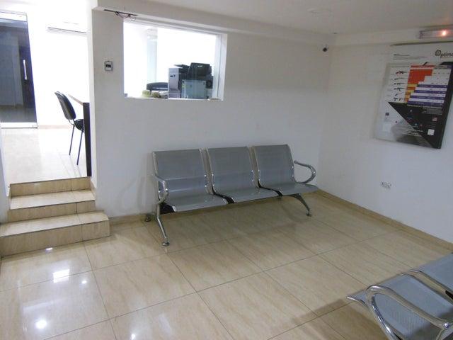 Galpon - Deposito Distrito Metropolitano>Caracas>La Campiña - Venta:280.000 Precio Referencial - codigo: 19-8985