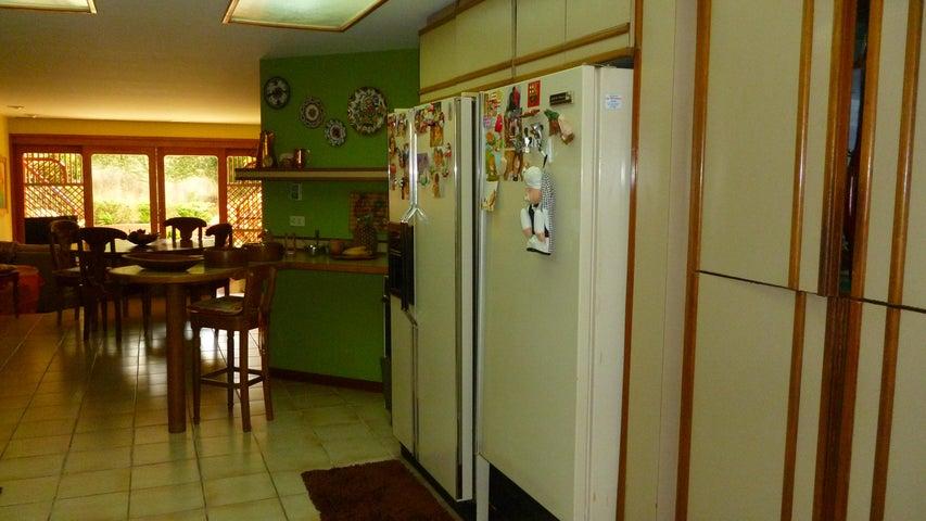 Casa Zulia>Maracaibo>La Lago - Venta:210.000 Precio Referencial - codigo: 19-8982