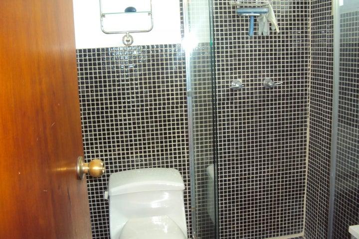 Apartamento Distrito Metropolitano>Caracas>La Boyera - Venta:50.000 Precio Referencial - codigo: 19-8986
