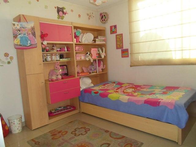 Apartamento Miranda>Los Teques>La Quinta - Venta:23.000 Precio Referencial - codigo: 19-9138