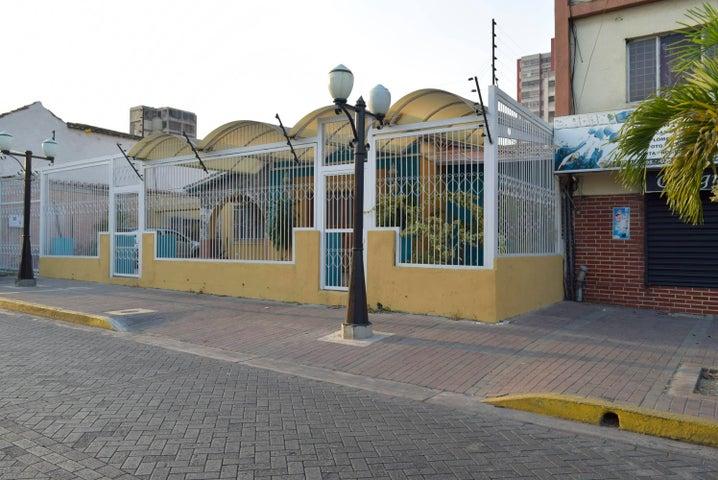Local Comercial Lara>Barquisimeto>Centro - Alquiler:300 Precio Referencial - codigo: 19-8987