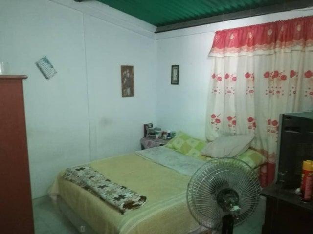 Casa Lara>Barquisimeto>Parroquia Tamaca - Venta:4.000 Precio Referencial - codigo: 19-9012