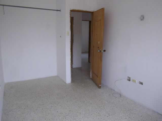Casa Zulia>Maracaibo>Cumbres de Maracaibo - Venta:28.000 Precio Referencial - codigo: 19-9048