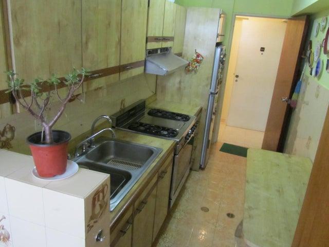 Apartamento Miranda>San Antonio de los Altos>Las Minas - Venta:45.000 Precio Referencial - codigo: 19-9011