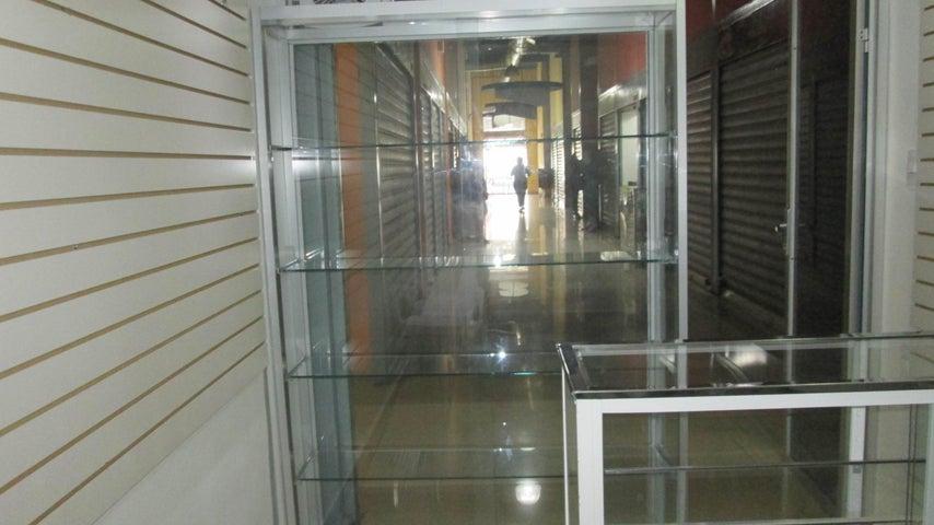 Local Comercial Aragua>Maracay>Avenida Sucre - Alquiler:60 Precio Referencial - codigo: 19-9018