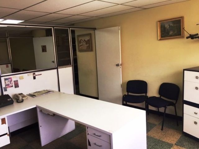 Oficina Distrito Metropolitano>Caracas>Guaicaipuro - Alquiler:300 Precio Referencial - codigo: 19-16076