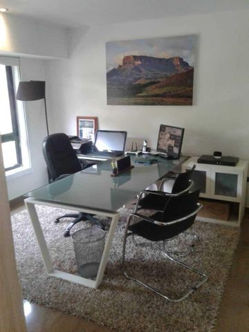 Casa Distrito Metropolitano>Caracas>Oripoto - Venta:298.000 Precio Referencial - codigo: 19-9037