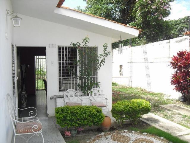 Casa Lara>Cabudare>Chucho Briceno - Venta:18.000 Precio Referencial - codigo: 19-9043