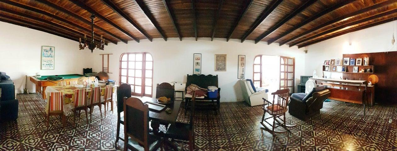 Casa Falcon>Coro>Sector San Bosco - Venta:250.000 Precio Referencial - codigo: 19-9044