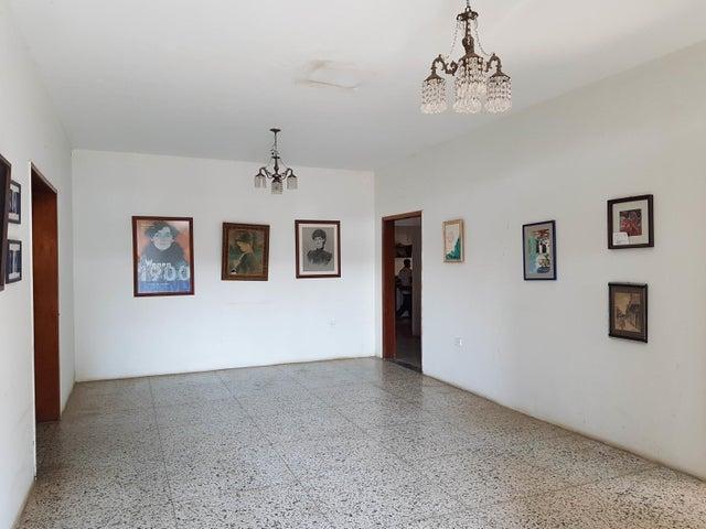 Casa Falcon>Coro>Sector San Bosco - Venta:220.000 Precio Referencial - codigo: 19-9044