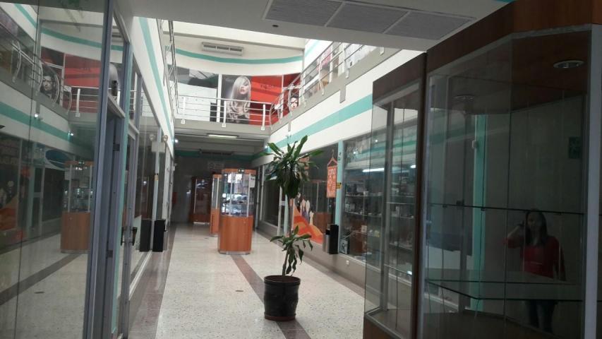 Local Comercial Lara>Barquisimeto>Parroquia Concepcion - Alquiler:128 Precio Referencial - codigo: 19-9051