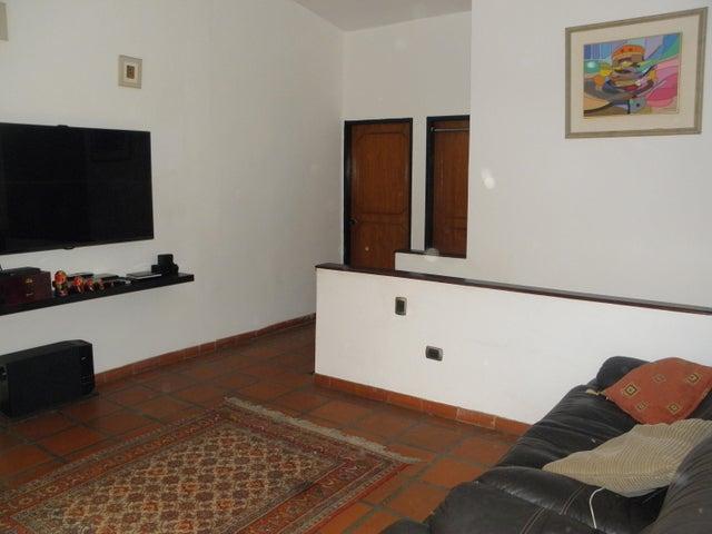 Casa Carabobo>Valencia>El Parral - Venta:64.000 Precio Referencial - codigo: 19-9054