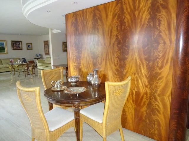 Apartamento Distrito Metropolitano>Caracas>Los Chorros - Venta:750.000 Precio Referencial - codigo: 19-9092
