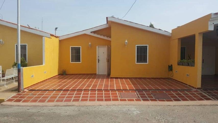 Townhouse Zulia>Municipio San Francisco>San Francisco - Venta:25.000 Precio Referencial - codigo: 19-9112