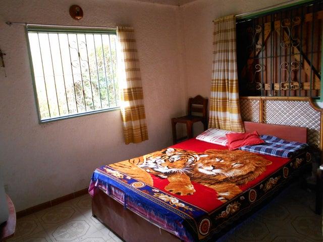 Casa Miranda>San Antonio de los Altos>El Refugio - Venta:32.000 Precio Referencial - codigo: 19-9130