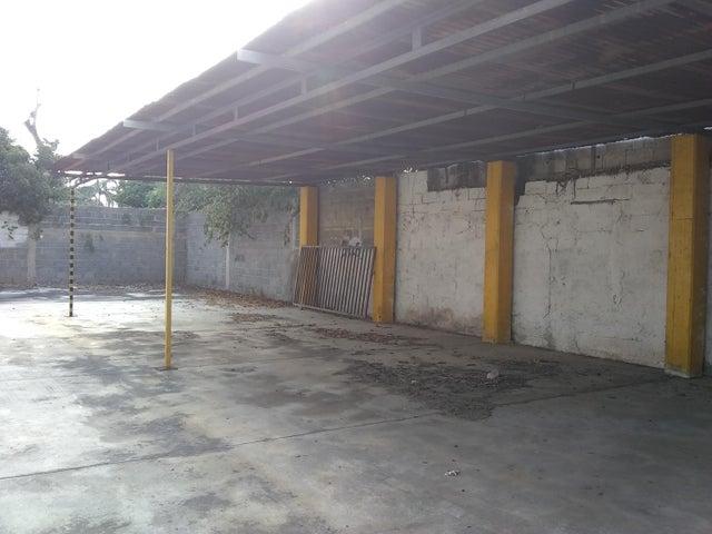 Local Comercial Lara>Barquisimeto>Centro - Venta:26.000 Precio Referencial - codigo: 19-9214