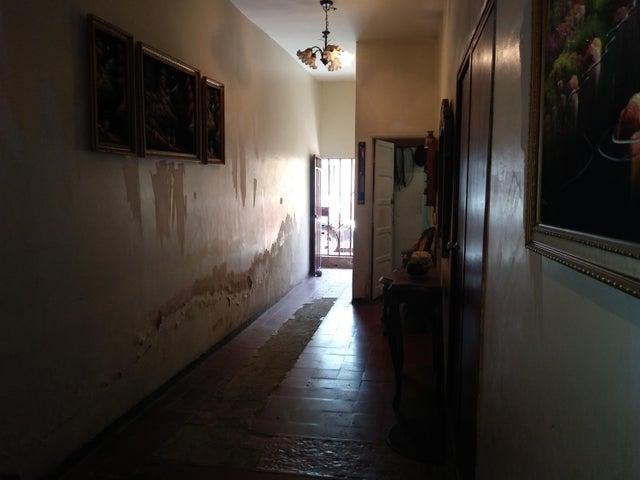 Casa Lara>Barquisimeto>Parroquia Catedral - Venta:18.500 Precio Referencial - codigo: 19-10161