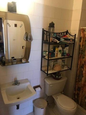 Apartamento Vargas>Parroquia Caraballeda>La Llanada - Venta:60.000 Precio Referencial - codigo: 19-9183
