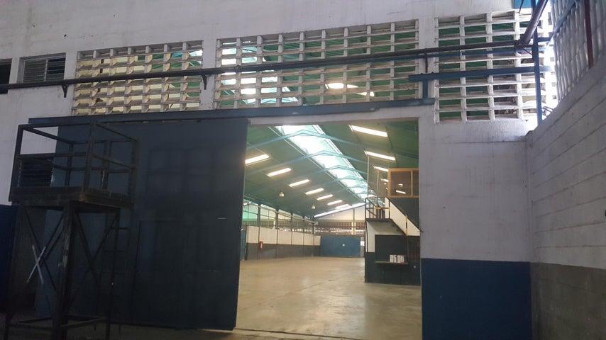 Galpon - Deposito Carabobo>Guacara>Carret Guacara - San Joaquin - Venta:1.800.000 Precio Referencial - codigo: 19-9220