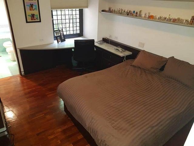 Apartamento Distrito Metropolitano>Caracas>Los Chorros - Venta:400.000 Precio Referencial - codigo: 19-9237