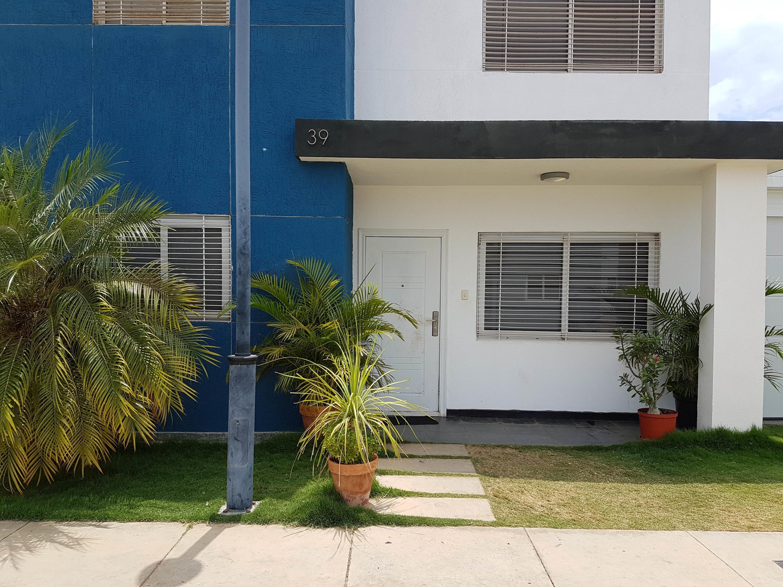 Casa Falcon>Coro>Centro - Venta:80.000 Precio Referencial - codigo: 19-9259