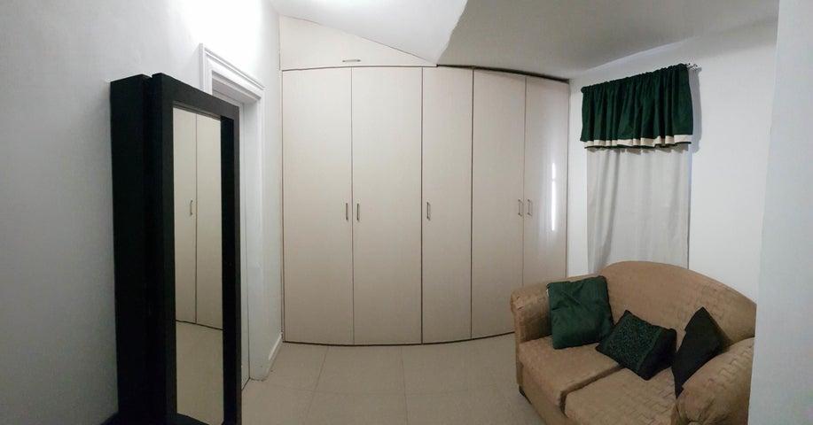 Casa Falcon>Coro>Sector Los Perozos - Venta:60.000 Precio Referencial - codigo: 19-9298