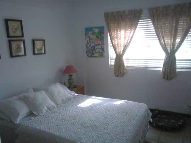 Apartamento Nueva Esparta>Margarita>Playa el Angel - Venta:60.000 Precio Referencial - codigo: 15-14672