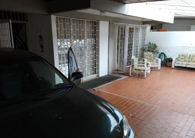 Casa Distrito Metropolitano>Caracas>Los Chorros - Venta:115.000 Precio Referencial - codigo: 19-9365