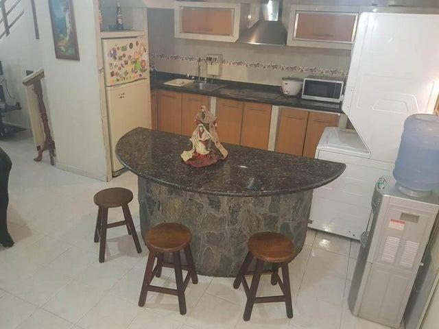 Apartamento Vargas>Parroquia Caraballeda>Caribe - Venta:32.000 Precio Referencial - codigo: 19-9386