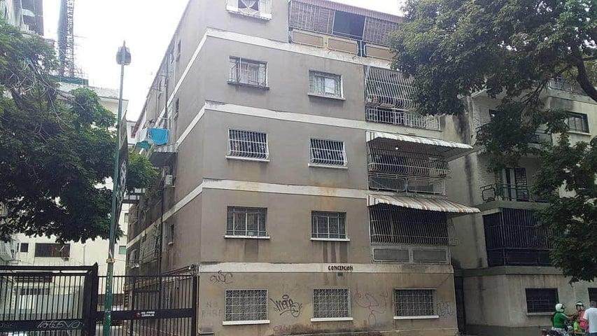 Apartamento Distrito Metropolitano>Caracas>Colinas de Bello Monte - Venta:40.000 Precio Referencial - codigo: 19-9134