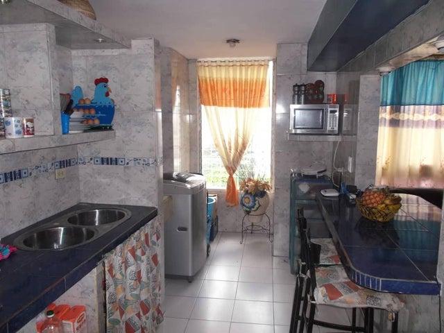 Apartamento Distrito Metropolitano>Caracas>Parque Carabobo - Venta:23.600 Precio Referencial - codigo: 19-9409