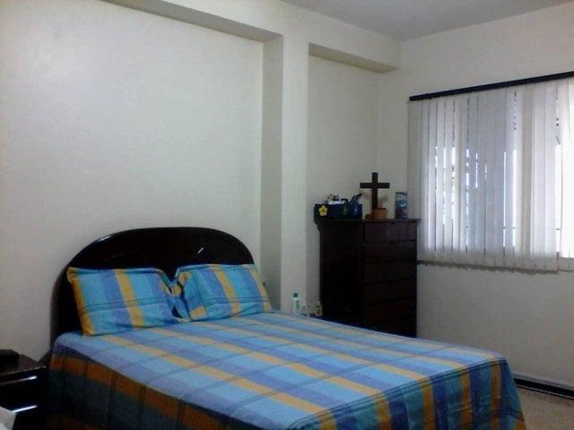 Apartamento Distrito Metropolitano>Caracas>Chacao - Venta:60.000 Precio Referencial - codigo: 19-9447