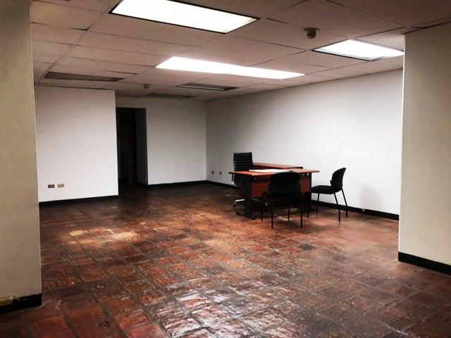 Oficina Distrito Metropolitano>Caracas>Colinas de Bello Monte - Alquiler:450 Precio Referencial - codigo: 19-9951