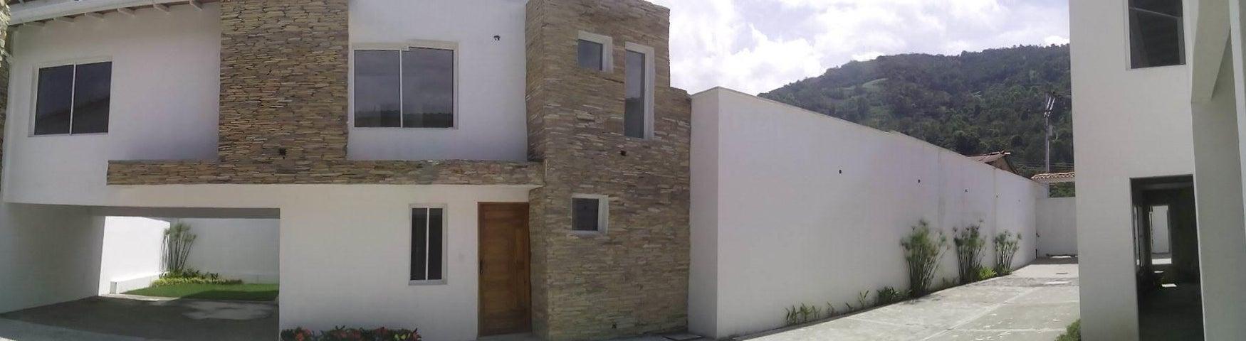 Townhouse Merida>Merida>La Pedregosa - Venta:55.000 Precio Referencial - codigo: 19-9494