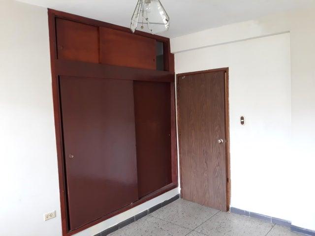 Apartamento Zulia>Ciudad Ojeda>Calle Merida - Alquiler:120 Precio Referencial - codigo: 19-9852