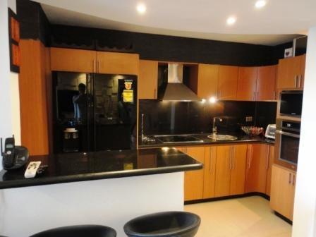 Apartamento Distrito Metropolitano>Caracas>La Boyera - Venta:80.000 Precio Referencial - codigo: 19-9510